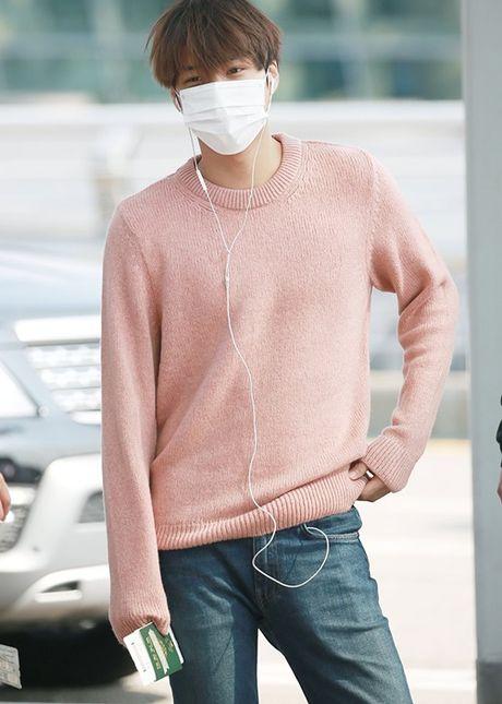 Jessica sang chanh, EXO chon do ruc ro khi ra san bay - Anh 1