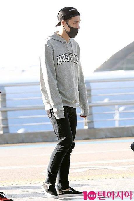 Jessica sang chanh, EXO chon do ruc ro khi ra san bay - Anh 9