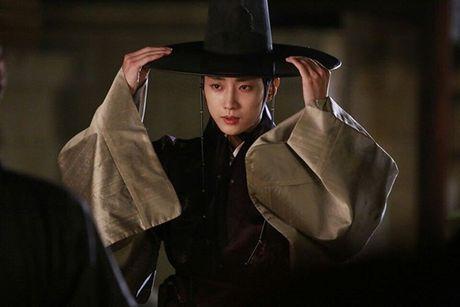 Sao Han 13/10: Jessica ngoi tao dang giua nang, dan sao 'Moon Lovers' tu hop - Anh 3