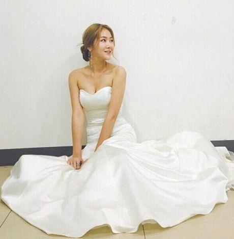Sao Han 13/10: Jessica ngoi tao dang giua nang, dan sao 'Moon Lovers' tu hop - Anh 9