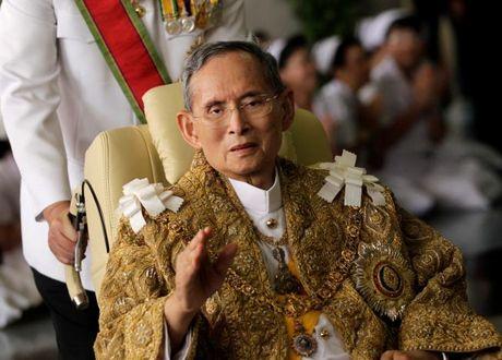 Nha vua Thai Lan qua doi - Anh 1