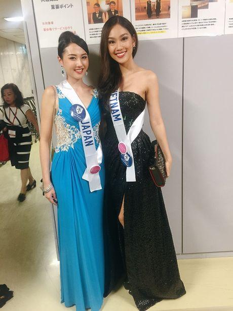 Phuong Linh tu tin do sac ben dan thi sinh Hoa hau Quoc te 2016 - Anh 17