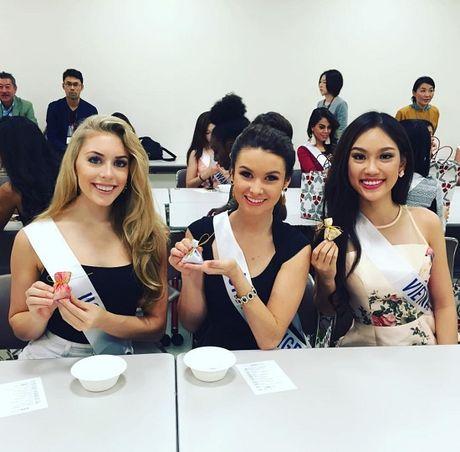Phuong Linh tu tin do sac ben dan thi sinh Hoa hau Quoc te 2016 - Anh 4