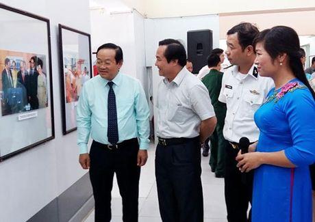 Trien lam 70 nam Hai Phong lam theo loi Bac - Anh 1