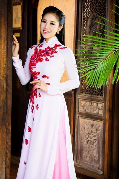 Le Phuong: Tu co gai bat hanh tren man anh den con duong tinh lam truan chuyen - Anh 1