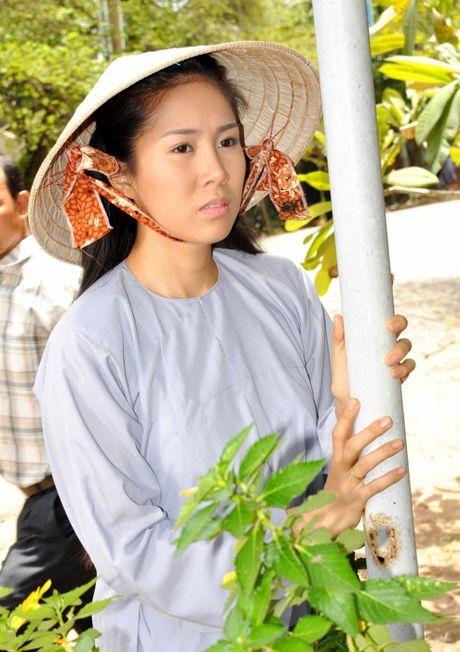 Le Phuong: Tu co gai bat hanh tren man anh den con duong tinh lam truan chuyen - Anh 4