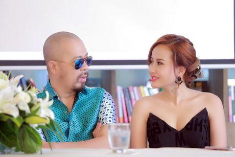 NTK Duc Hung khoe do 'banh trai' voi MC Anh Tuan - Anh 7