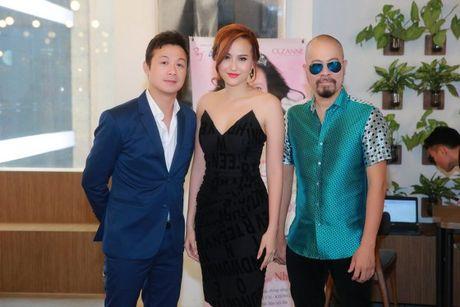 NTK Duc Hung khoe do 'banh trai' voi MC Anh Tuan - Anh 8