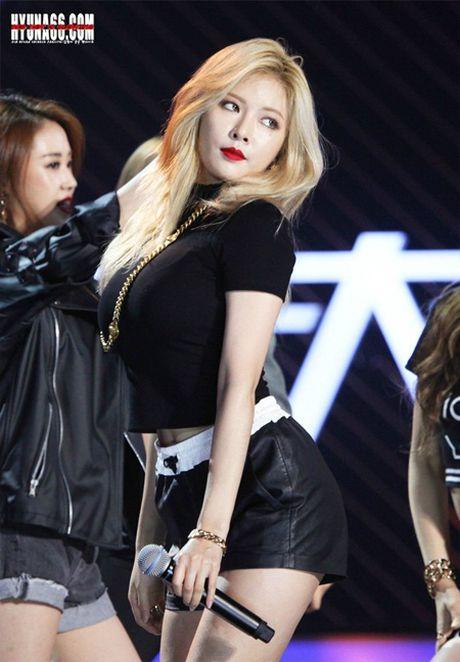 Top 10 my nhan Kpop gay tranh cai khi vua cong bo - Anh 1