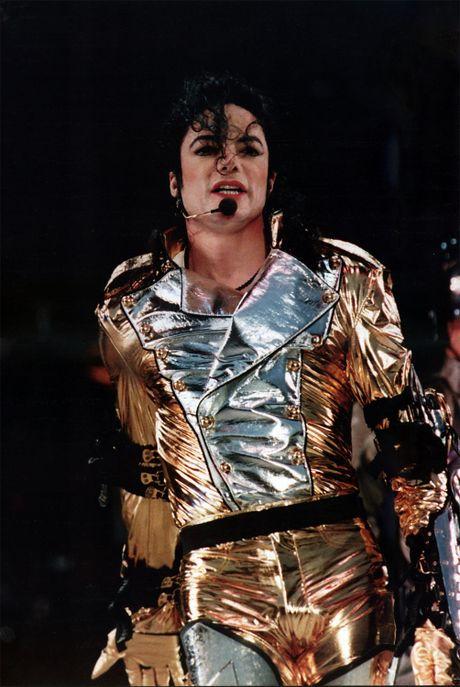 Michael Jackson van kiem bon tien… du da qua doi 7 nam - Anh 2