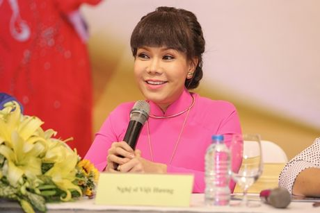 Danh hai Viet Huong lam liveshow o san van dong mien phi cho sinh vien - Anh 1