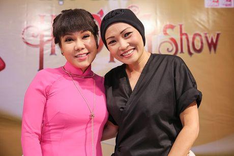 Danh hai Viet Huong lam liveshow o san van dong mien phi cho sinh vien - Anh 3