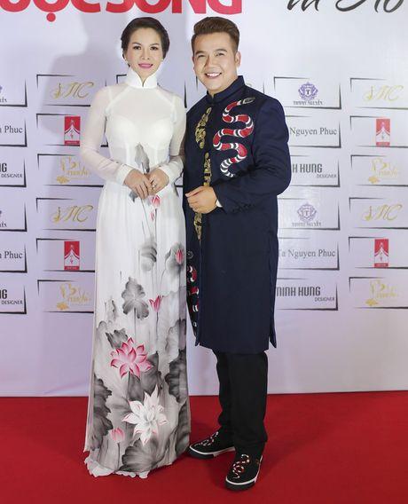 Hoa hau Thanh Thuy khien 'dan em' phat hon vi vong eo hoan hao - Anh 2
