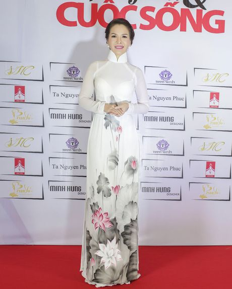 Hoa hau Thanh Thuy khien 'dan em' phat hon vi vong eo hoan hao - Anh 8
