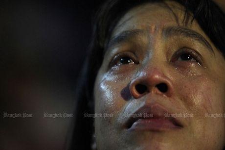 Thai Lan: Duc vua bang ha, nguoi dan oa khoc tiec thuong - Anh 8