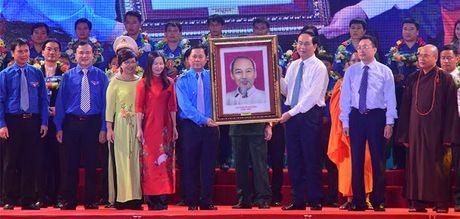 Chu tich nuoc: Can loi cuon thanh nien voi tinh than 'Trung thuc, trach nhiem, nghi luc, cong hien' - Anh 4