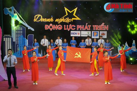 Giao luu nghe thuat 'Doanh nghiep – dong luc phat trien' - Anh 1