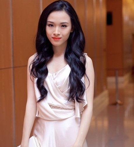 Ong Cao Toan My 'doi tien', hoa hau Phuong Nga noi gi? - Anh 1