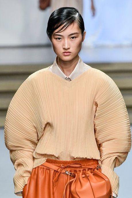 5 cach trang diem, lam toc 'len ngoi' tai Fashion Week 2017 - Anh 3