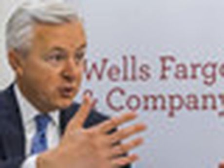 CEO Wells Fargo nghi huu ngay lap tuc vi scandal - Anh 2