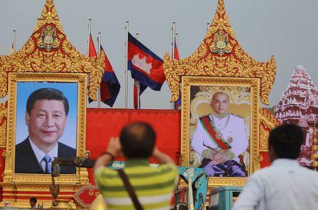 Ong Tap Can Binh lan dau tham Campuchia, se ky hang chuc thoa thuan - Anh 1