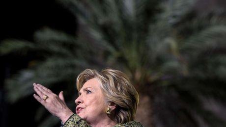 Clinton: Dao nguoc lap truong ve ong Tap va 'ran' ve Bien Dong - Anh 1
