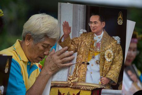 Quoc vuong Thai Lan da bang ha - Anh 2