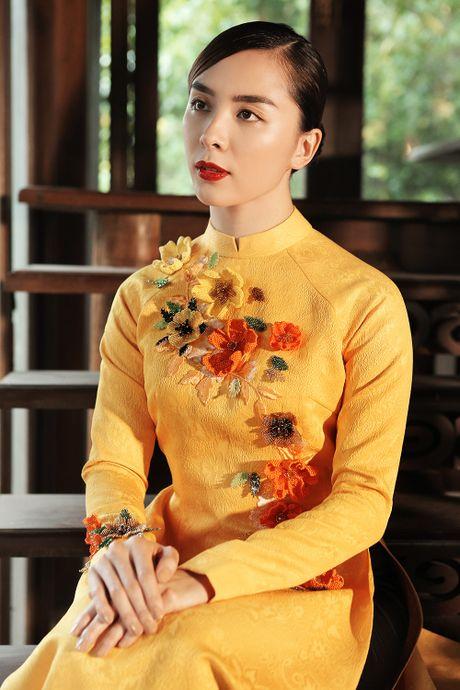 Thien Ly, Le Hang, Thuy Dung duyen dang voi ao dai cach tan - Anh 2