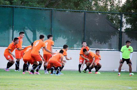 Xuan Truong, Tuan Anh truyen cam hung cho U19 Viet Nam - Anh 2