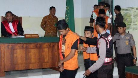 Indonesia cho phep thien ke hiep dam tre em - Anh 1