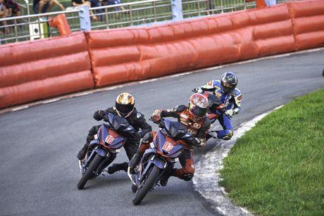 Dua xe Honda Winner tai Ba Ria - Anh 2