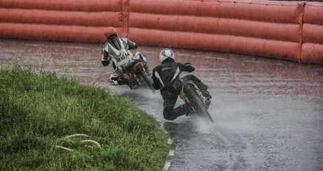 Dua xe Honda Winner tai Ba Ria - Anh 3
