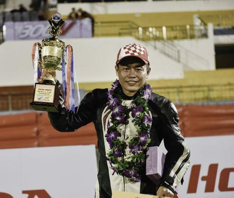 Dua xe Honda Winner tai Ba Ria - Anh 5