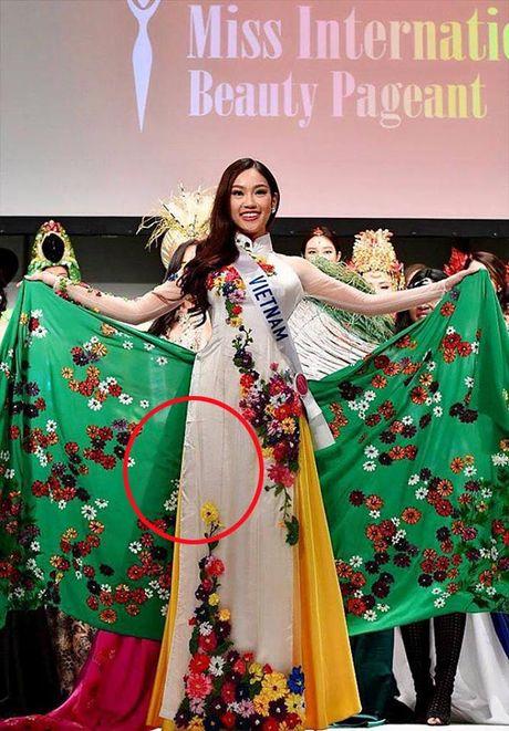 Phuong Linh tai Hoa hau Quoc te 2016: Cu binh tinh song… - Anh 1