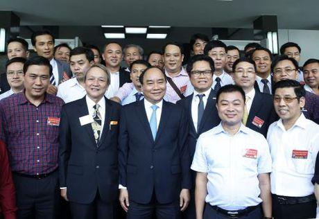 Bao Dau tu chuc mung cong dong doanh nhan Viet Nam - Anh 1
