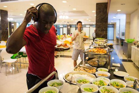 Pho Viet hop hon cau thu ngoai o Viettel World Cup 2016 - Anh 2