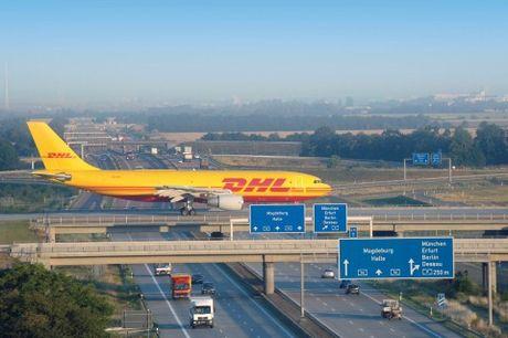 DHL Express thong bao dieu chinh gia trong nam 2017 - Anh 2
