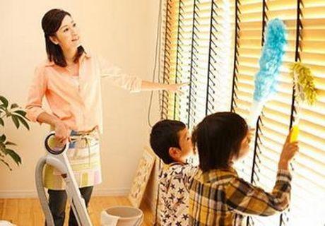 Lu tre luon mieng hoi 'Bo oi! Me dau?' va vi the, ban 'kho' hon chong khi nuoi day con - Anh 1