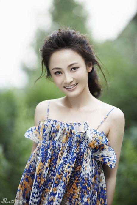 Showbiz 13/10: Thanh Tu thay may hon My Linh, Dieu Dich yeu thieu gia sau vu cuop chong - Anh 3