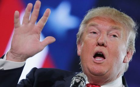 Hai phu nu to cao bi Donald Trump quay roi tinh duc - Anh 1