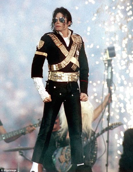 9 nam sau khi mat, Michael Jackson van kiem tien 'khung' nhat - Anh 1