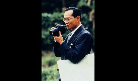 Cuoc doi Nha Vua Thai Lan Bhumibol Adulyadej qua anh - Anh 9