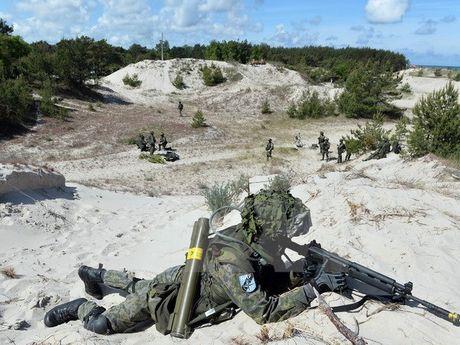 EU muon thuc hien cac chien dich quan su doc lap voi NATO - Anh 1