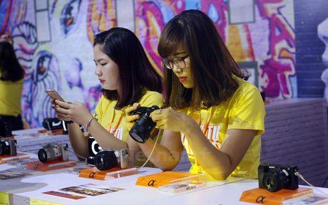 Hang dien tu Sony 'khoe' cong nghe moi nhat o Thu do Ha Noi - Anh 1