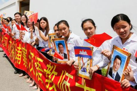 Tap Can Binh tham Campuchia: Nhung bang huu thuc thu trung thanh - Anh 2