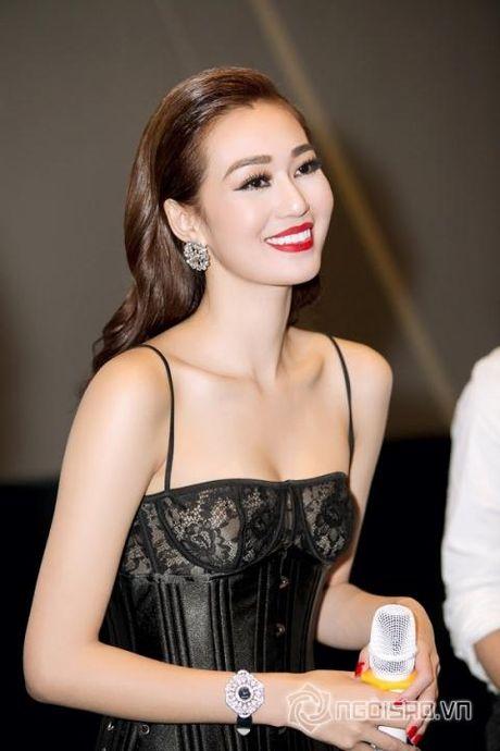 Khanh My ''da xeo'' Ngoc Trinh that bai duong tinh ai? - Anh 1