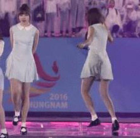 3 lan nga song soai, ngoc nu Han van hat nhay rat sung - Anh 1
