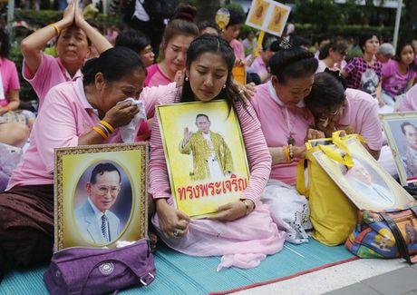 Dan Thai dau don khoc thuong vi vua 'thanh song' bang ha - Anh 9