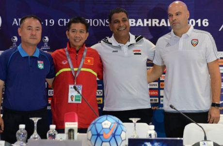 HLV Hoang Anh Tuan tuyen bo 'cung' ve U19 Viet Nam - Anh 1