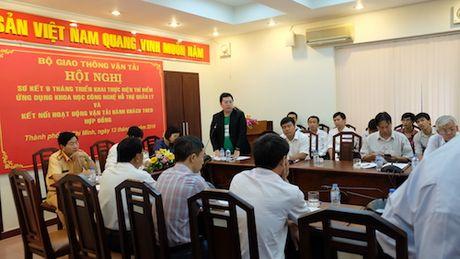 Grab 'to' Uber lach luat tai Viet Nam - Anh 1